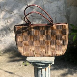 Vintage woven bag with checkered pattern